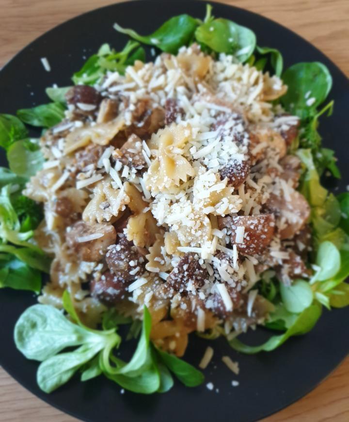 Recept |Pasta met bospaddenstoelenpesto enkip