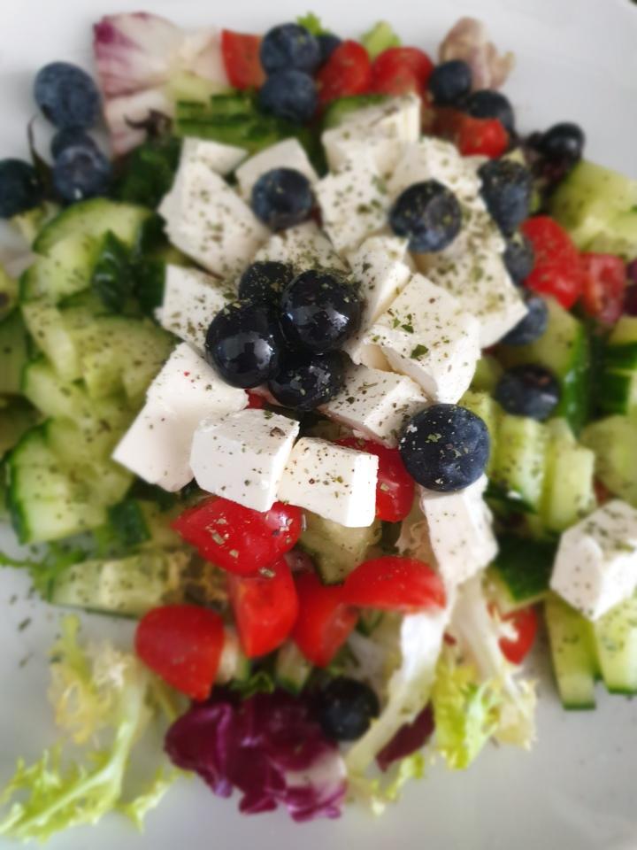 Recept   Frisse salades voor de zomersetemperaturen